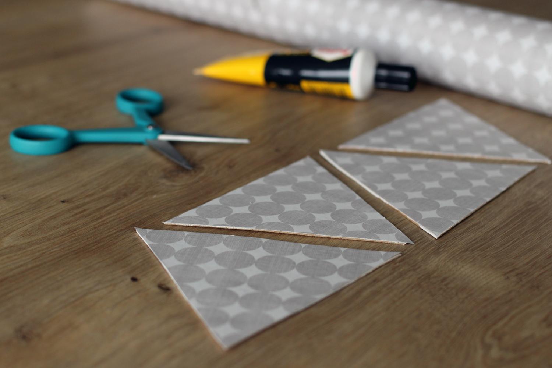 petits-triangles-recouverts-papier-peint