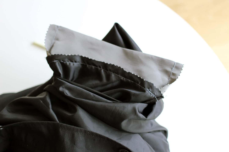 Agrandir une poche, nouveau fond cousu sur l'envers