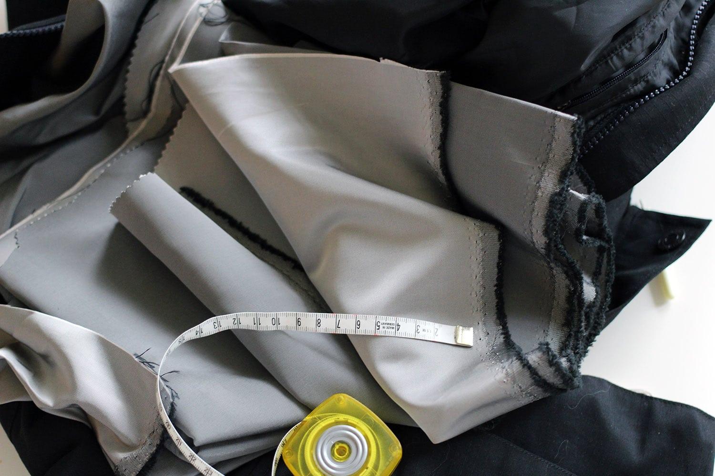 agrandir une poche, avec du tissus satin
